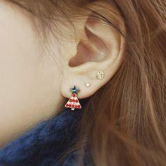 2014 cheap Korean model selling sweet small delicate bell Christmas tree design stud earring http://www.aliexpress.com/store/1482336