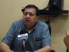 <p>Chihuahua, Chih.- Esta tarde en rueda de prensa con los diferentes medios de comunicación, el líder sindical del Colegio de Bachilleres, José