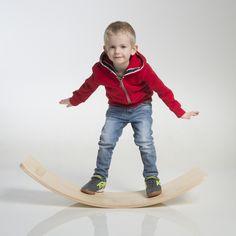 Wobble Board ist ein Spielzeug, das kreatives Denken und die Phantasie eines Kindes fördert, es ist entwickelt um verschiedene Wege zum Spielen zu finden.