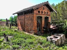 Decay Art and Urbex: Estacion abandonada de ffcc de Hontanares de Eresma (Segovia- España)