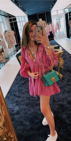 Girl Next Door Fashion. Top Advice To Help You Look More Fashionable. Shopping for clothing is tough for anyone who knows nothing about being stylish. Trendy Outfits, Spring Outfits, Cute Outfits, Fashion Outfits, Womens Fashion, Fashion Ideas, 80s Fashion, Beautiful Outfits, Girl Outfits