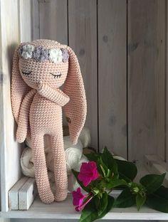 Crochet bunny longear with flower headband, a special crochet toy, newborn birth gift, photo session bunny - Puppen Crochet Amigurumi, Amigurumi Patterns, Crochet Dolls, Knit Crochet, Crochet Patterns, Bear Patterns, Crochet Teddy, Knitted Bunnies, Crochet Rabbit