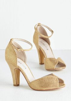 Fine Dining Heel in Gold. A fabulous meal is made even richer by these beautiful gold heels! #gold #prom #wedding #bridesmaid #modcloth