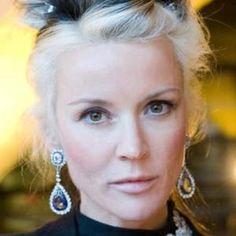 http://www.celebritynetworth.com/richest-businessmen/richest-designers/daphne-guinness-net-worth/