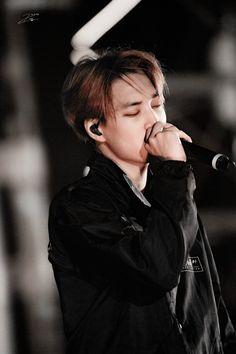 Kai - 150912 Exoplanet - The EXO'luXion in Chongqing Credit: Ivy-Target. Chanyeol, Kai Exo, Exo Kokobop, Kyungsoo, Kim Kai, Kim Jong Dae, Exo Korean, Korean Idols, Hottest Guy Ever