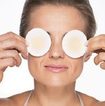 Hydrosols are the perfect treatment for dark under eye dark circles