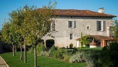 Μια βόλτα μέχρι τον Γαλλικό Νότο και το Cognac για να γνωρίσουμε το ultra premium gin G Vine. Vines, Spirit, Mansions, House Styles, Home Decor, Decoration Home, Manor Houses, Room Decor, Villas