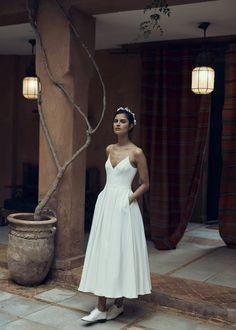 Laure de Sagazan showed her latest wedding dresses at Bridal Fashion Week Western Wedding Dresses, Stunning Wedding Dresses, Best Wedding Dresses, Bridal Dresses, Beautiful Dresses, Pleated Wedding Dresses, Laura Lee, Laid Back Wedding, Bridal Separates