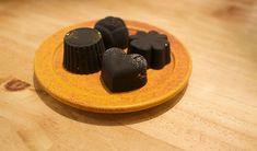 まとめのインテリア - t   チョコレートみたいな炭。炭のチョコラ Cake, Desserts, Food, Tailgate Desserts, Deserts, Kuchen, Essen, Postres, Meals