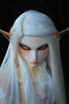 WHITE FAIRY. FANTASY ART DoA user Nanyalin's Dollshe Orijean hybrid with Soom Topaz ears -- Man, is she pissed off!  :D