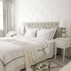 Sunday morning Have a nice day! Light Gray Bedroom, White Room Decor, Modern Shabby Chic, Beautiful Bedrooms, Home Decor Bedroom, Interior Design Living Room, Room Inspiration, Sunday Morning, Nice