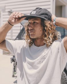 Surf Style Men, Surfer Style, Swag Pics, Surf Guys, Boy Photo Shoot, Men Photoshoot, Thing 1, Photoshoot Inspiration, Gentleman Style
