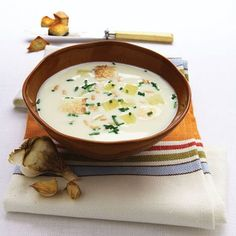 Traditional Czech Garlic Soup Recipe - Food and Recipes - Mother Earth Living.This traditional Czech soup is packed with immune-boosting, antiviral garlic. Maybe this is way my mom and I like garlic so much. Slovak Recipes, Czech Recipes, Ethnic Recipes, Soup Recipes, Vegan Recipes, Dinner Recipes, Cooking Recipes, Easy Recipes, Sauces