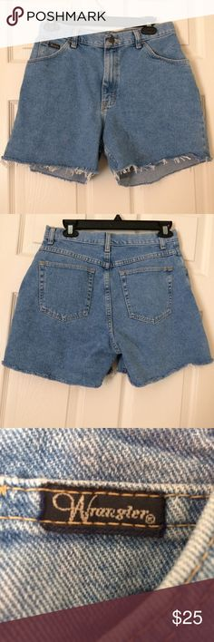 Wrangler Mom Jean Style Shorts VINTAGE Size 10 vintage mom jean style wrangler shorts.  Thick sturdy denim. Cut fringe bottoms distressed. Cute embroidered ribbon logo on the front button Wrangler Shorts Jean Shorts