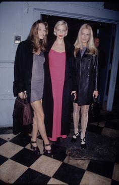 Fashion CV : Carla Bruni. #topmodel #90s #fashion #MbyCristina #teva