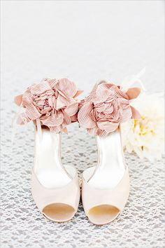 Satin heels with ankle rose accents... Courtesy of: The Wedding Chicks #vintageweddings #bridalfashion #heels