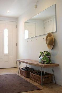 Idée pour l'entrée : Miroir pour agrandir, et banc sympa !