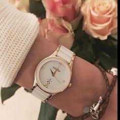 Elegancki wieczór zapewni… #Roamer #ceramic #white #gold #jewellery #womensfashion #glamour #glam #biel #złoto #evening #beauty #butiki #swiss #butikiswiss #dlaniej