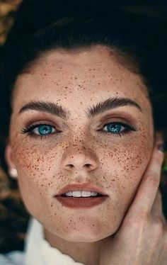 Eye Photography Close Up Freckles Ideas Beautiful Freckles, Beautiful Redhead, Beautiful Eyes, Freckles Makeup, Freckles Girl, Redhead With Freckles, Cute Freckles, Beauty Portrait, Female Portrait