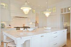 Kitchen island. Sunshine Coast Home Design.