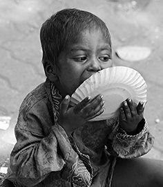 Hunger makes a thief of any man. Hungry Children, Poor Children, Precious Children, Save The Children, Beautiful Children, Kids Around The World, People Around The World, Poverty And Hunger, Martial