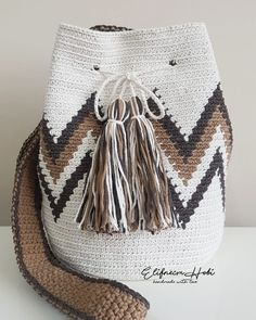 New Designs for FREE crochet bag pattern images Easy And Stylish! - Page 61 of 61 - Beauty Crochet Patterns! Stitch Crochet, Free Crochet Bag, Crochet Bags, Crochet Handbags, Crochet Purses, Tapestry Crochet Patterns, Tapestry Bag, String Bag, Pattern Images