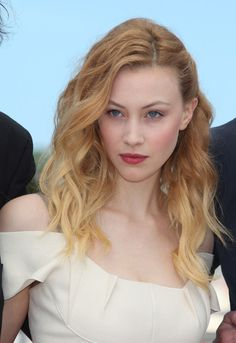 Sarah Gadon | cosmopolis photocall at cannes in this photo sarah gadon sarah gadon ...
