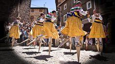Fotos: Danza de los zancos #Anguiano  #LaRioja - Fiestas de la Magadalena 2012