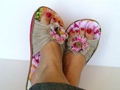 A couple of weeks ago I hada blasttaking part in A Couple of Craft Addicts Flip Flop Refashion series! These are thefun new shoes I made to share there! I didn't make it over to Old Navy for their big flip flop sale – but I did find some at Walmart for $2.50. Not bad …