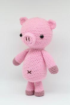 Curly the Pig Amigurumi Toy Beginner Crochet pattern by Hello Yellow Yarn Crochet Pig, Crochet Patterns Amigurumi, Cute Crochet, Crochet Animals, Crochet Yarn, Crochet Toys, Irish Crochet, Amigurumi Toys, Beginner Crochet Projects