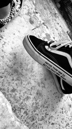 Pin by ❥anouk seelt on shoes in 2019 Vans Old Skool Noir, No Name Shoes, Vans Shoes Fashion, Tenis Vans, Painted Sneakers, Aesthetic Shoes, Shoe Art, Mode Outfits, Custom Shoes