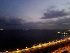 Vista nocturna del puerto de Tarragona.  Night view of the port of Tarragona.