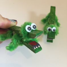 Peg and Pipe Cleaner Crocodiles http://blissfuldomestication.com/2017/03/09/peg-pipe-cleaner-crocodiles/?utm_campaign=coschedule&utm_source=pinterest&utm_medium=Blissful%20Domestication&utm_content=Peg%20and%20Pipe%20Cleaner%20Crocodiles