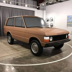 landroverphotoalbum: Fantastic clay model on display at the...