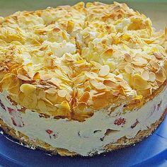 Himmelstorte mit Himbeeren Tatlı tarifleri – The Most Practical and Easy Recipes Easy Cake Recipes, Baking Recipes, Cookie Recipes, Dessert Recipes, Holiday Desserts, Easy Desserts, Holiday Recipes, Dessert Simple, Bienenstich Recipe