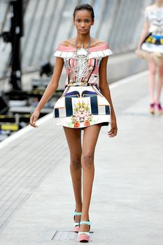Mary Katrantzou Spring 2011 Ready-to-Wear Collection Slideshow on Style.com