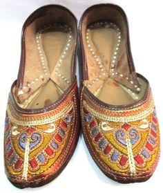 c09d5fc74fa50f Indian Designer Handmade Leather Slippers Mojari Flip Flops Flat Women Shoes   Handmade  Casual