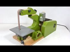The woodworking genius Matthias Wandel Builds a belt sander Homemade Tools, Diy Tools, Oscillating Spindle Sander, Belt Grinder Plans, Used Wheels, Thing 1, Woodworking Projects, Woodworking Jigsaw, Woodworking Machinery