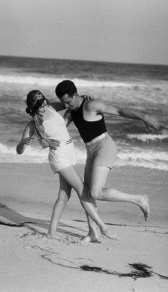 Germany. Dancing on the beach, 1931// Armstrong Robert
