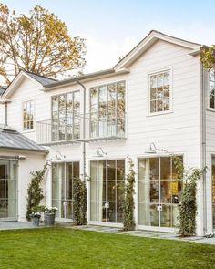 Modern Farmhouse Exterior Designs Ideas 43