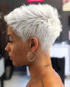 The Best Short Haircuts and Hairstyles for Women Over frisuren frauen frisuren männer hair hair styles hair women Cool Short Hairstyles, Haircuts For Fine Hair, Best Short Haircuts, Modern Hairstyles, Bob Hairstyles, Bob Haircuts, Haircuts For Over 50, Braided Hairstyles, Haircut Bob