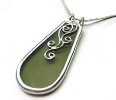 Stained glass pendant 1386 by LingGlass on Etsy, $27.00