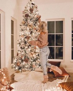 Having a Christmas party is a great way to make a festive spirit. We've put together a list of the best festive Christmas party ideas to have at home! Cosy Christmas, Christmas Feeling, Christmas Room, Merry Little Christmas, Xmas, Christmas Outfits, Christmas Sweaters, Apartment Christmas, Christmas Houses