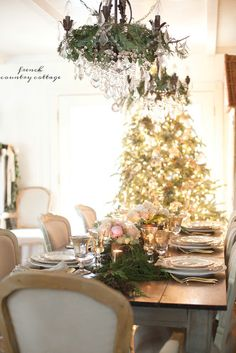 Wine Country inspired Christmas Tree  -  This week I am up in Calistoga working and playing while being   surrounded by all the beauty of ...