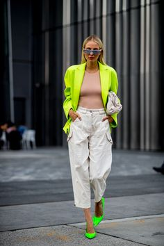 New York Fashion 430445676887948460 - New York Fashion Week Spring 2020 Attendees Pictures – Livingly Source by poporchid New York Street Style, Nyfw Street Style, Spring Street Style, Street Styles, Street Style Women, 2020 Fashion Trends, Fashion 2020, Look Fashion, Spring Fashion
