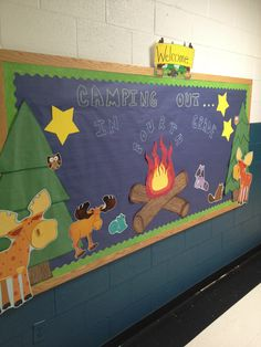 Teaching kids with an enjoyable camping theme? Here are some outdoor camping style lesson strategies, activities ideas and more. Whether you are establishing a year long class decoration scheme or jus Classroom Decor Themes, New Classroom, School Decorations, School Themes, Classroom Design, Kindergarten Classroom, Classroom Activities, Classroom Ideas, Camping Decorations