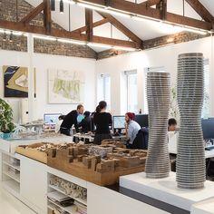 Come sono gli uffici degli architetti più importanti al mondo? Le foto di Marc Goodwin
