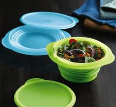 Tupperware Bowls Set Flat out Flatout Aqua Blue and Kiwi Green 3 & 4 cup Set New Home Gadgets, Gadgets And Gizmos, Tupperware Consultant, Dog Bag, Space Saving Storage, Kitchen Equipment, Food Waste, Food Containers, Dishes