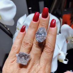 verlobungsring videos The oval one! Luxury Jewelry, Boho Jewelry, Jewelry Gifts, Jewelry Accessories, Chain Jewelry, Jewlery, Jewelry Making, Diamond Jewelry, Gemstone Jewelry