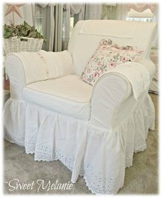 Realistic Systems In Fine Shabby Chic Decor Inspiration - Straightforward Advice - Home Decor Done Right Shabby Chic Decor, Shabby Chic Sofa, Chic Decor, Home Decor, Chic Bedroom, Chic Bedding, Shabby Chic Furniture, Shabby Chic Room, Chic Home Decor